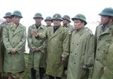 Phó Thủ tướng Trịnh Đình Dũng thăm động viên người dân vùng lũ Quảng Bình
