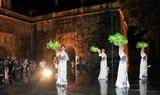 Tour đêm Hoàng thành Thăng Long giúp du khách giải mã bí ẩn các triều đại