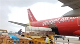 Vietjet пожертвует по 10.000 донгов с каждого проданного авиабилета на поддержку людей в центральном регионе