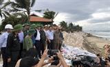 Phó Thủ tướng Trịnh Đình Dũng kiểm tra công tác phòng chống bão số 9 tại Quảng Nam
