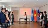 Вьетнамские представительства за рубежом собирают средства для помощи пострадавшим от наводнения