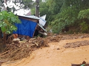 Премьер-министр призвал к немедленным действиям по спасению после сильного оползня в центральной провинции