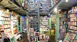 Tiệm sách lâu đời nhất ở phố sách Đinh Lễ Hà Nội