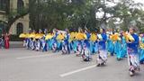 Парад сотен в Ханое для демонстрации красоты аозай