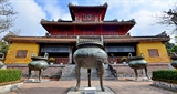 Hue village makes national treasures