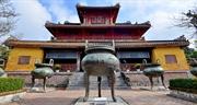Hue village makes national treasures