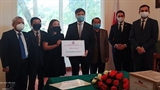Вьетнам передал Польше изделия медицинского назначения