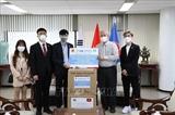 한국 거주 베트남 교포들에게 2만 5천 장의 의료 마스크 전달