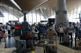 Более 300 вьетнамских граждан доставили домой из Малайзии