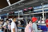 Около 240 вьетнамских граждан привезли домой из Малайзии