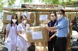 Trao tặng 16 ngàn khẩu trang N95 và đồ bảo hộ y tế cho lực lượng phòng chống dịch Đà Nẵng