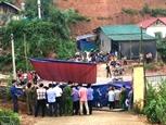 교문 무너져 학생 3명 사망