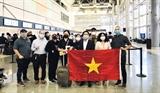 アメリカで足止めのベトナム人340人が帰国