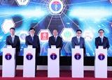 Thủ tướng Nguyễn Xuân Phúc: Nhanh chóng mở rộng mạng lưới khám chữa bệnh từ xa