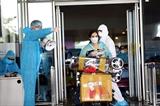 Chuyến bay thương mại quốc tế đầu tiên về tới Việt Nam sau thời gian tạm dừng vì dịch COVID-19