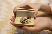 Миниатюрные глиняные изделия отражают вьетнамскую кухню