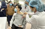 Việt Nam thử nghiệm vắc xin NanoCovax trên người