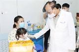 Chủ tịch nước Nguyễn Xuân Phúc thăm Bệnh viện Nhi đồng Thành phố Hồ Chí Minh