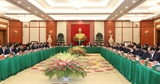 Bộ Chính trị gặp mặt thân mật các đồng chí nguyên Ủy viên Bộ Chính trị Ban Bí thư và nguyên Ủy viên Trung ương Đảng khóa XII