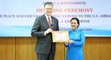 Trao Kỷ niệm chương Vì hòa bình hữu nghị giữa các dân tộc tặng Đại sứ Hoa Kỳ tại Việt Nam
