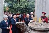 Rinde presidente de Vietnam tributo a legendarios fundadores de la nación