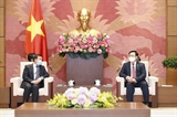 Le président de lAssemblée nationale reçoit lambassadeur du Laos