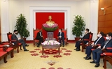 Việt Nam coi trọng hợp tác với các nước láng giềng khu vực và các đối tác chiến lược trong đó có Singapore