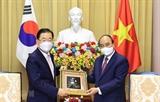 Президент Нгуен Суан Фук принял министра иностранных дел Южной Кореи Чон Ы Ёна