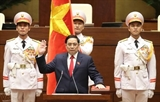 チン首相の宣誓式が行われる