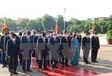 Le 27 juillet : les dirigeants du Parti et de lÉtat rendent hommage aux Morts pour la Patrie