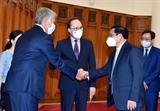 Премьер-министр пообещал создать все благоприятные условия для новоназначенного посла России