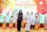 Phó Chủ tịch nước Võ Thị Ánh Xuân thăm tặng quà cho bệnh nhi nhân dịp Tết Trung Thu 2021