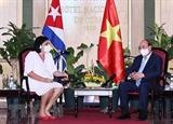 Президент Нгуен Суан Фук принял руководителей ассоциаций кубино-вьетнамской дружбы