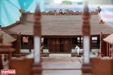 La plus petite maquette de maison commune en bois au Vietnam