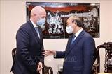 Президент Нгуен Суан Фук принял президента Всемирной федерации футбола