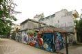 Một đoạn ngõ vẽ graffiti ở khu tập thể Thượng Thanh – Long Biên – Hà Nội.