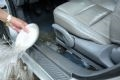 Tệ hơn nữa là phải làm cái việc tát nước từ trong ôtô ra… đường.