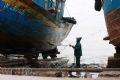 Kể cả xưởng sửa chữa tàu này cũng góp phần làm ô nhiễm.