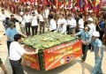 Chiếc bánh chưng nặng 2 tấn - lễ vật của nhân dân Tp. Hồ Chí Minh cung tiến dâng lên các Vua Hùng trong ngày Giỗ tổ. Ảnh: Trọng Đức