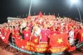 The enthusiastic encouragement of fans gives the strength to Vietnamese female football players.