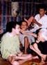 Deux enfant de la famille de Nguyên Van Lôc, commune de Cam Nghia (Cam Lô, Quang Tri), victimes de l'agent orange/dioxine.