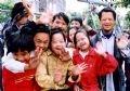 在海阳省社会福利中心疗养的沾染橙黄/迪奥辛毒剂儿童。