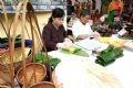 Compétition de confection de gâteaux phu thê au village de Dinh Bang (Bac Ninh)