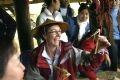 竹祭りを訪れたオーストラリア人観光客