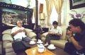 Phóng viên Vinh Quang và Văn Thành phỏng vấn nguyên Thủ tướng Võ Văn Kiệt.