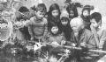 Nghệ sĩ Võ An Ninh với các cháu thiếu nhi – 1985