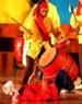 Exécution du tambour Du du groupe artistique populaire de la province de Phu Tho.