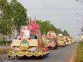 Diễu hành xe hoa chào mừng Lễ hội.