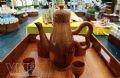 Bộ tách trà làm bằng thân dừa tham dự triển lãm, xác lập kỷ lục tại Lễ hội Dừa lần 2 – 2010.