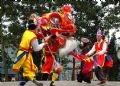 Màn múa sư tử trong lễ hội.